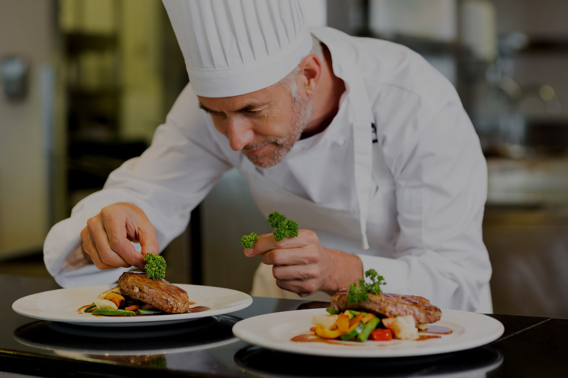 Шеф повар и блюдо картинка